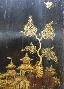 Encoignure en laque de chine, détail du décor