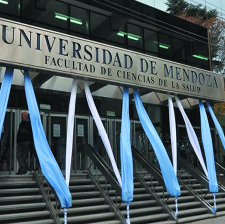UM – Universidad de Mendoza
