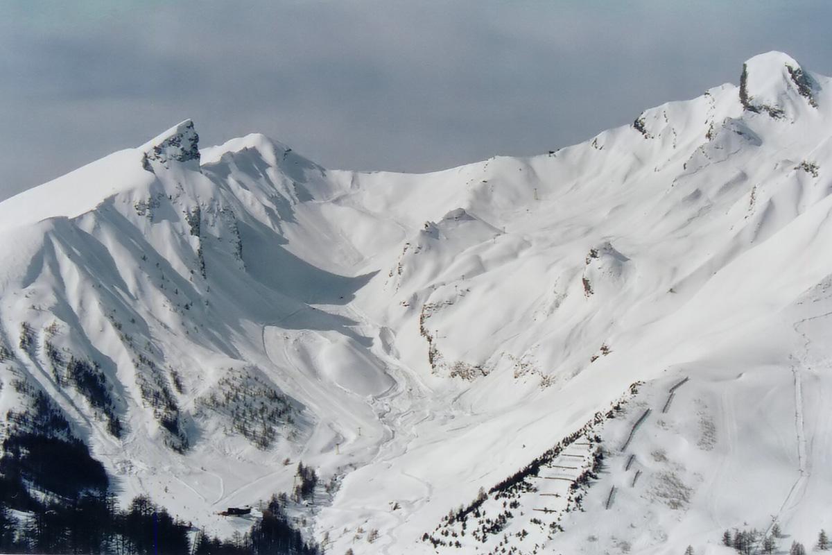 <h6>[Foux d'Allos] (Alpes de Haute Provence). 2001.</h6>