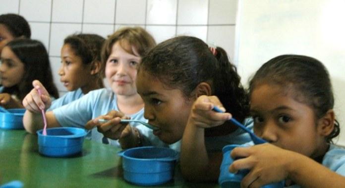 Merenda escolar será distribuída para pais e responsáveis de alunos da Educação Básica