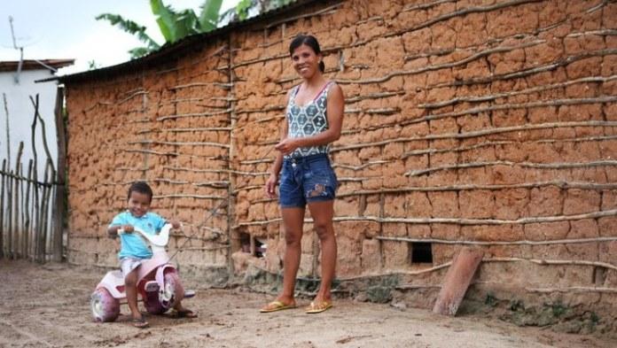Auxílio Emergencial chega a 80% dos lares mais pobres do país