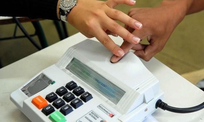TSE exclui biometria das eleições 2020