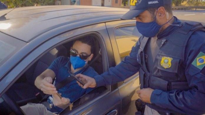 Agentes utilizam abordagem 100% digital em rodovia federal de Minas Gerais