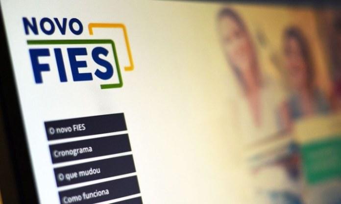 Governo regulamenta e abre prazo para renegociação de dívidas do Fies