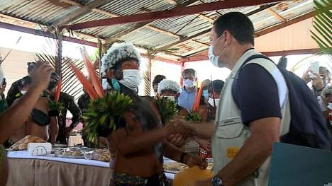 No terceiro e último dia da viagem, o grupo foi a Maturacá, onde se reuniu com indígenas