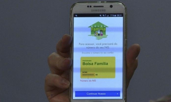 Beneficiários do Bolsa Família começam a receber terceira parcela da extensão do Auxílio Emergencial