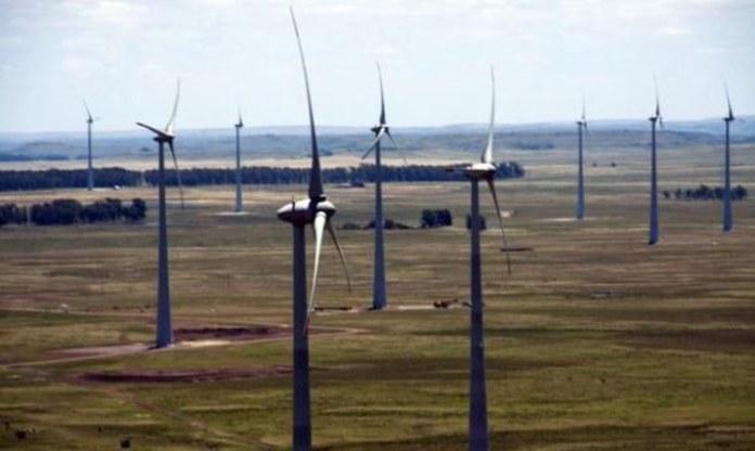 MEC institucionaliza programa de eficiência energética