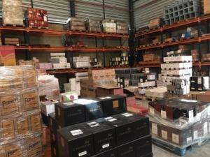 Mais de 800 garrafas de vinho e espumante foram apreendidas — Foto: Divulgação/ Sefaz