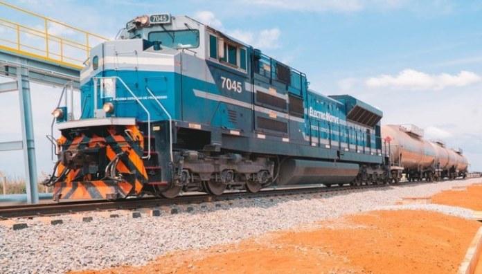 Em parceria público-privada, Governo inaugura terminal ferroviário de cargas