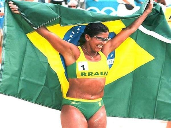 Campeã olímpica, Jackie Silva é mais uma embaixadora dos JEB's
