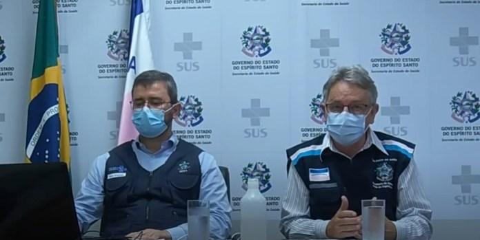 O secretario estadual de Saúde, Nésio Fernandes, e o subsecretário estadual de Vigilância em Saúde, Luiz Carlos Reblin — Foto: Reprodução/YouTube