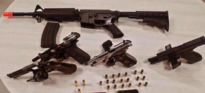 Armas apreendidas em festa clandestina em Viana
