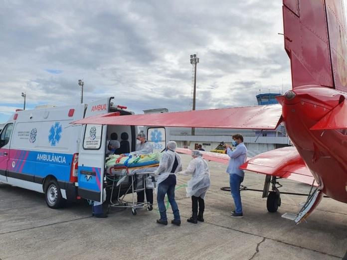 Paciente de Santa Catarina chega ao Espírito Santo para continuar tratamento contra Covid-19 — Foto: Divulgação/ Corpo de Bombeiros de Santa Catarina
