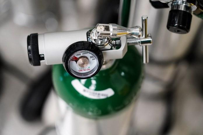 Anvisa autoriza funcionamento de fornecedores de oxigênio medicinal