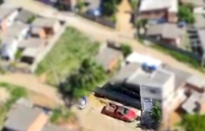 Carro de vítima foi localizado por Notaer, em Cariacica, ES — Foto: Divulgação/ NOTAER