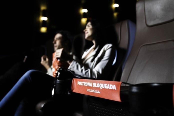Cinema tem espaçamento entre poltronas, filas de espera virtuais e medição de temperatura de todos os clientes — Foto: Gustavo Ferrari/Cinemark