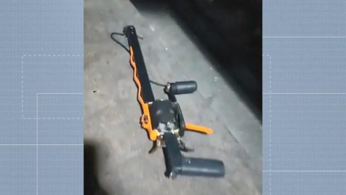 Arma de fabricação caseira foi usada por um dos suspeitos durante o assalto ao ônibus na Serra, ES