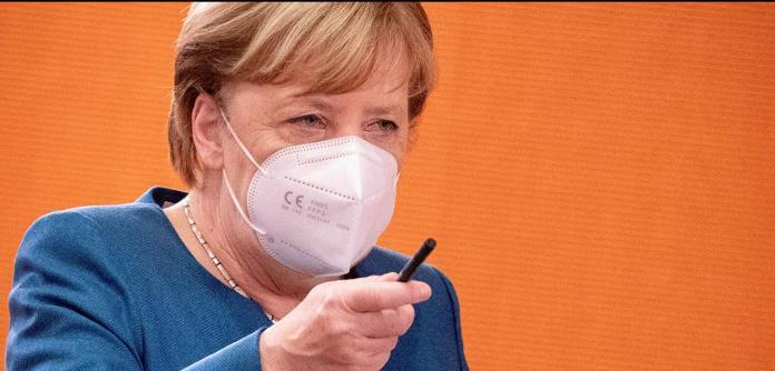 Chanceler da Alemanha, Angela Merkel, durante reunião semanal do gabinete em Berlim 28/10/2020