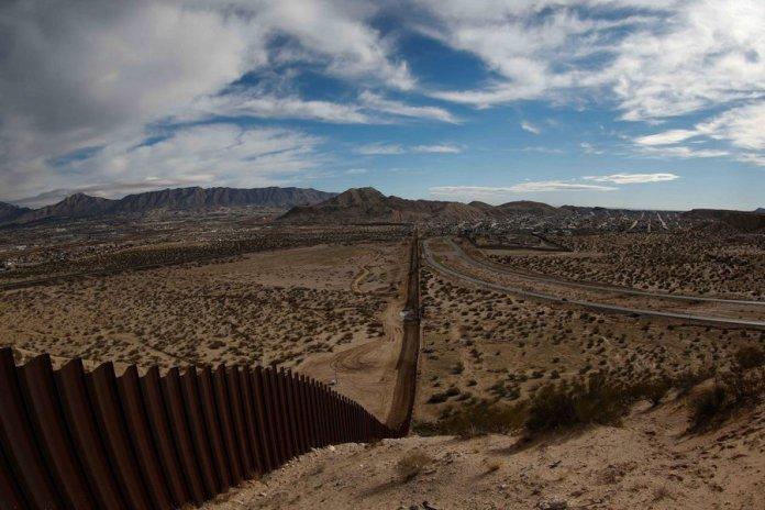 Biden deve reiniciar a construção do muro de Trump na fronteira com o México