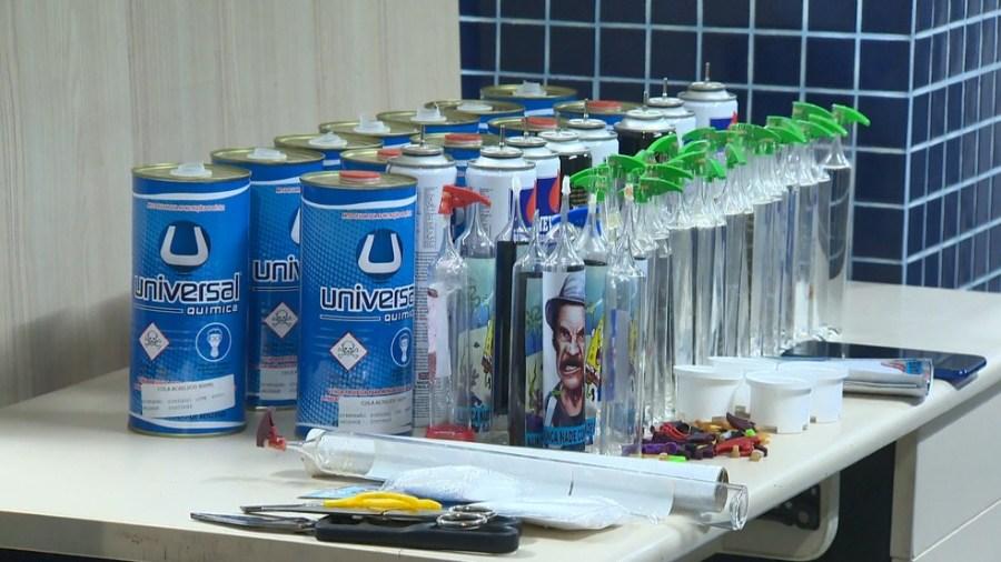 Material para fabricar lança-perfume foi encontrado na casa de homem de 27 anos após denúncia anônima