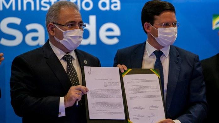 Assinado acordo para atendimento mais inclusivo a pessoas em vulnerabilidade que vivem com HIV e outras doenças crônicas