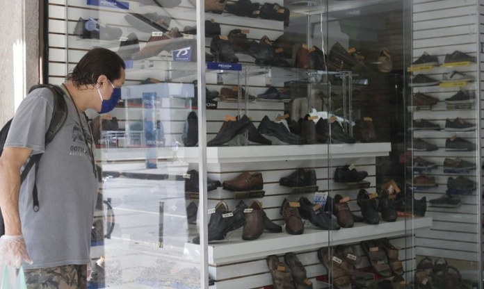 Comércio varejista tem alta de 1,4% nas vendas em maio