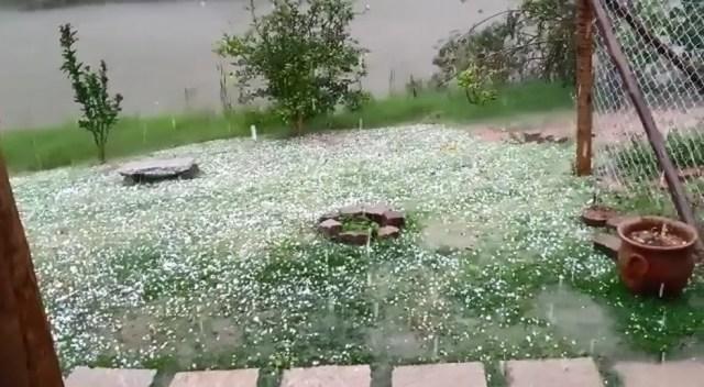 Chuva de granizo atingiu cidades da Região Serrana do ES — Foto: Reprodução