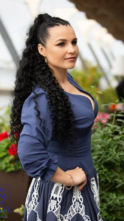 Elena rencontre femme 09