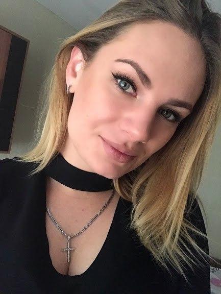 Alina rencontre femme russe parlant francais