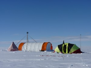 Caption: Bryan coast (Ellsworth Land) ice core drilling site. Credit: Liz Thomas