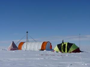 Caption: Bryan coast (Ellsworth Land) ice core drilling site. Credit: Liz Thomas