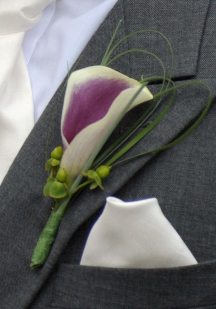 Bespoke Button Holes Boutonniere Wedding Flowers