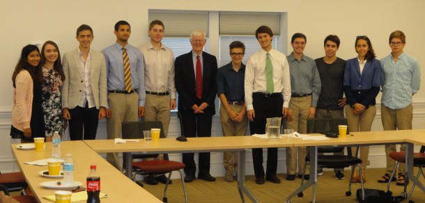 Gordon Wood Meets with Duke Students