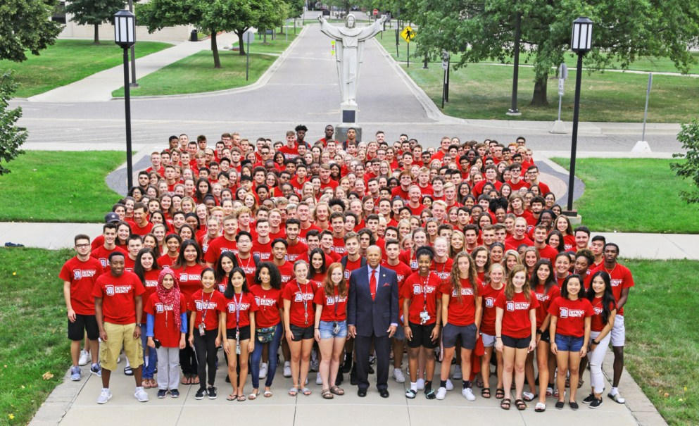 2018 group photo of the first-year students with Dr. Garibaldi