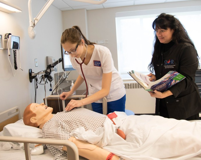 Detroit Mercy offers new Part-Time Bachelor of Science in Nursing track