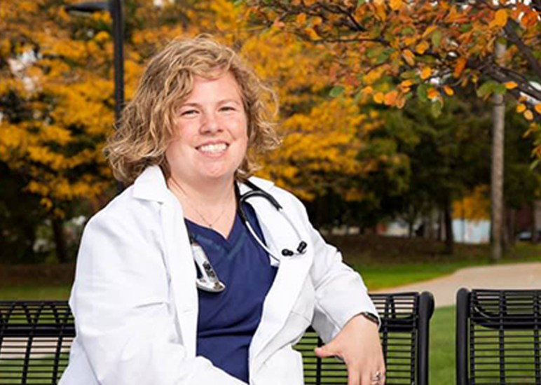 Detroit Mercy Nursing alumna opens doors for deaf community