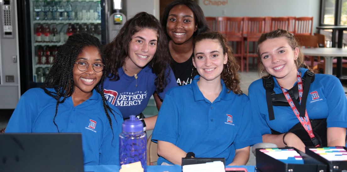 Detroit Mercy welcomes new students to campus