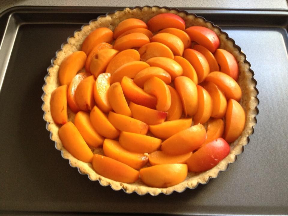 20130716-apricot-creme-fraiche-tart-1