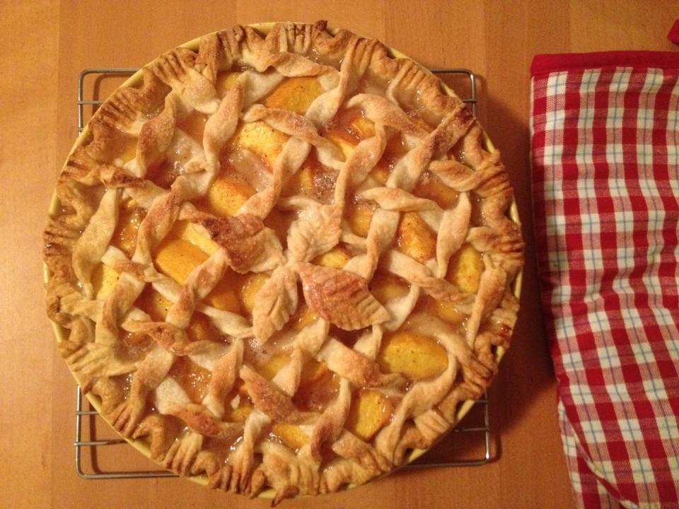 20130830-twisted-lattice-peach-pie-2