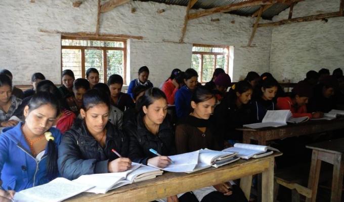 nepal-girls-class