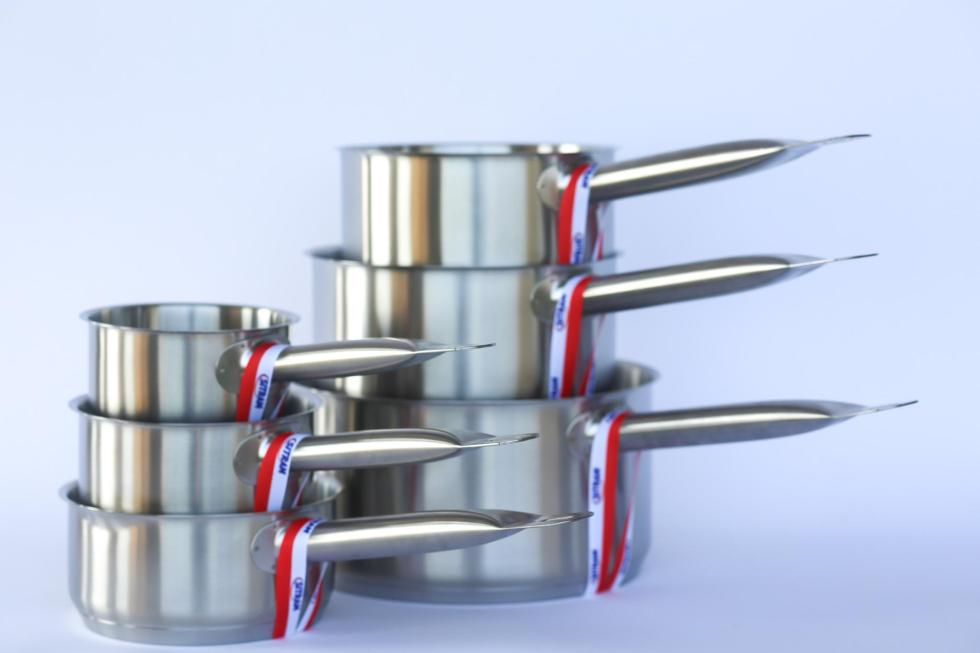 stainless steel saucepans_set of six sizes