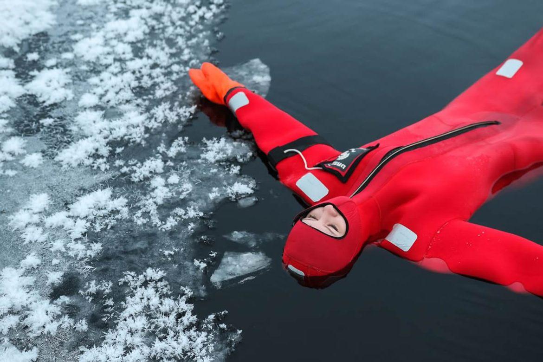 flotar en rio