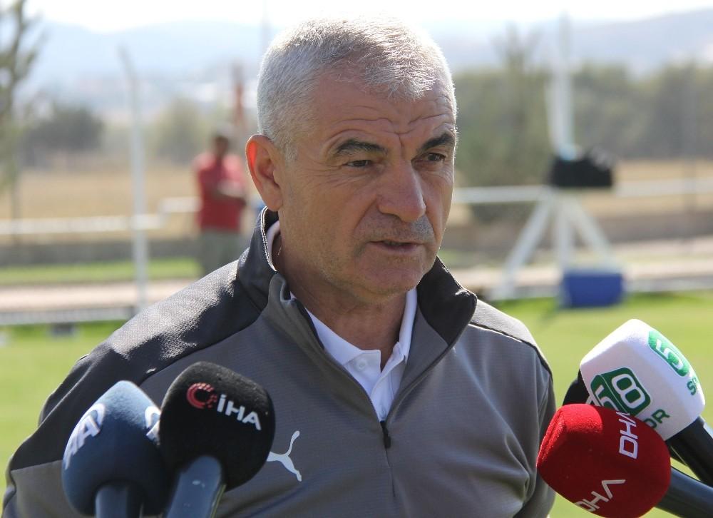 """Rıza Çalımbay: """"Türkiye'ye puan kazandırmak istiyoruz"""""""