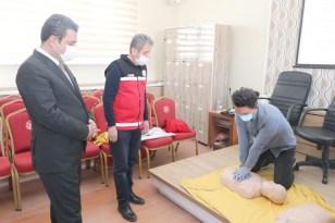 Sivas'ta öğretmenlere ilk yardım eğitimi