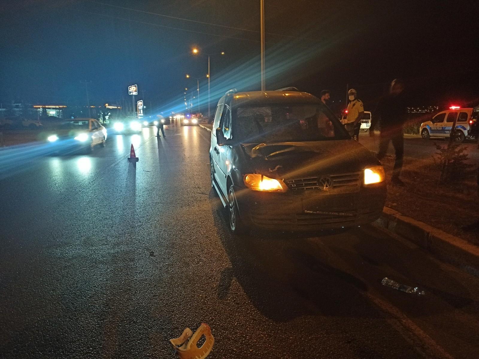 Otomobilin çarptığı 15 yaşındaki genç ağır yaralandı