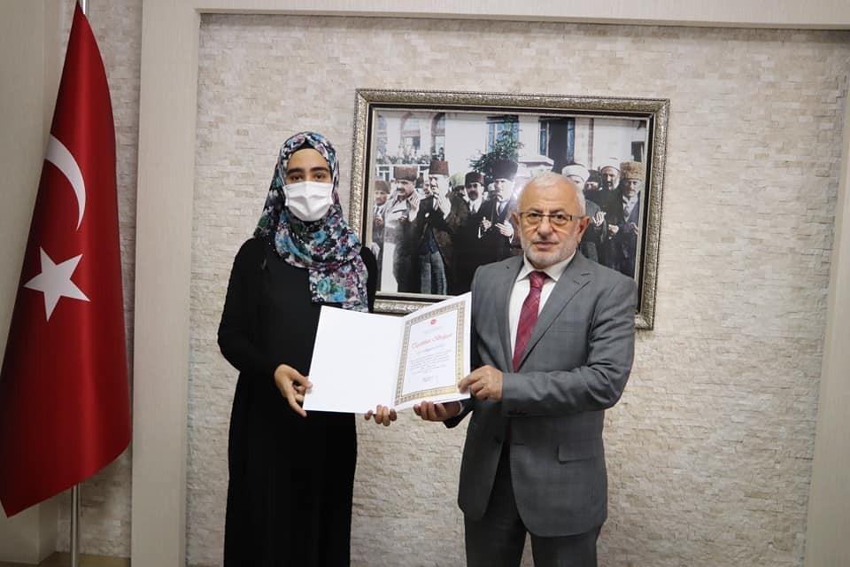 Müftü Akkuş'tan gönüllü destekçilere teşekkür belgesi