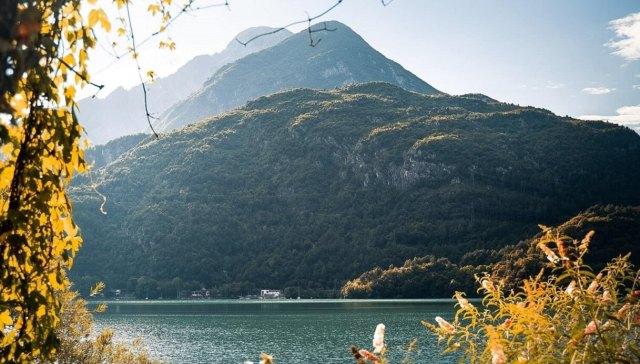 vista del lago di cavazzo