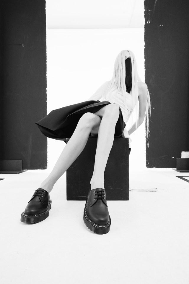 画像に alt 属性が指定されていません。ファイル名: Dr-Martens-x-Rick-Owens-_-Bex-Shoe-Womens.jpg