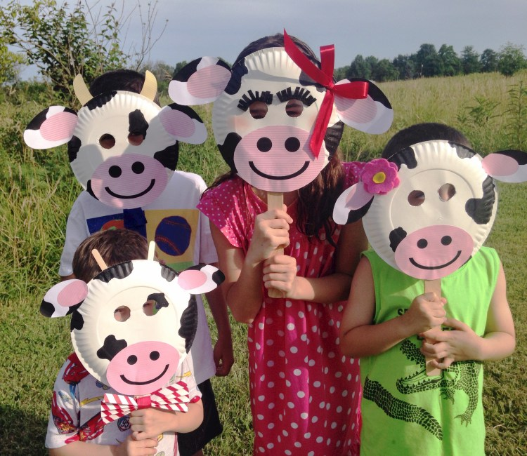 Chick-fil-A Cow Day { Paper Plate Cow Masks With Free ...