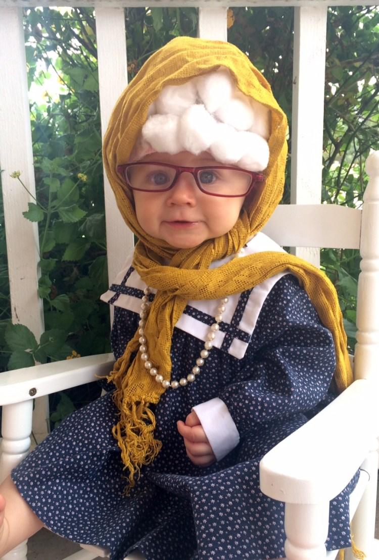 halloween baby costume | Old Lady Baby Costume | Easy Baby Costume | Quick Halloween Costume | Cheap Halloween Costume | DIY Costume Ideas